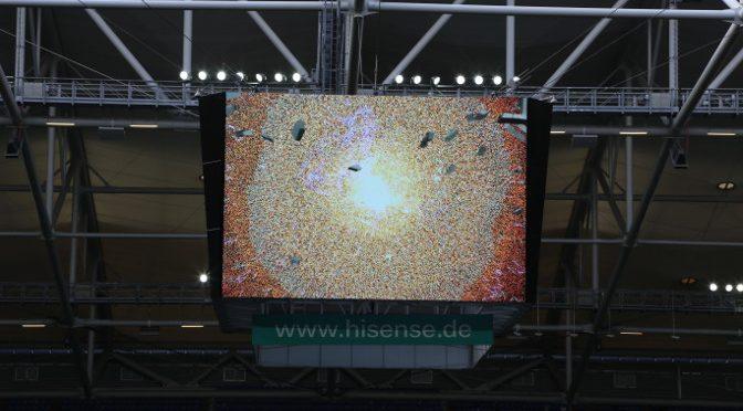 <strong>Neuer Videowürfel in der Veltins-Arena</strong>